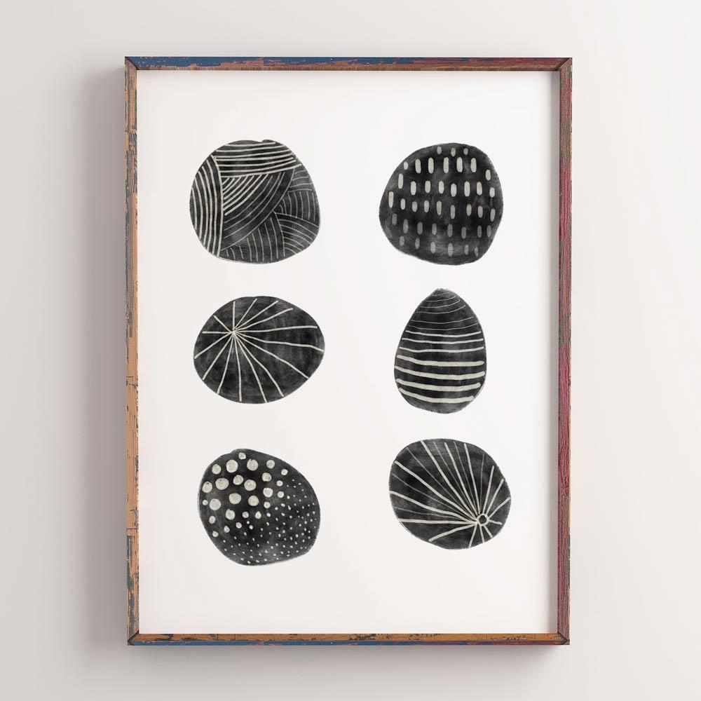 Black dots art frame